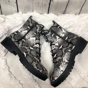 New Look Snakeskin Lace Up Boots